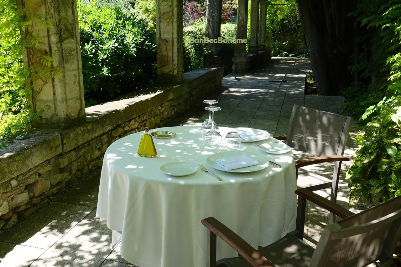 Tablé étoilée avec jardin à Villeneuve-lès-Avignon.