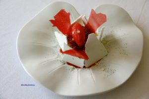 Le vacherin à la fraise by Lionel Giraud